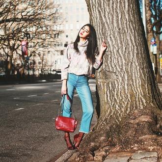 chicmuse blogger red bag sandals turtleneck cropped pants