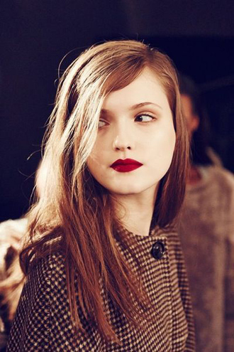 make-up straight hair red lipstick pale pattern