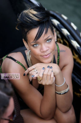 New hot! rihanna floating two finger triple circle crystal double gold ring