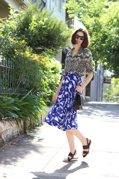 by chill blogger sunglasses blue skirt print flowy blouse sandals shirt skirt shoes bag jewels