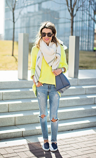 hello fashion blogger ripped jeans yellow blanket scarf pants t-shirt shoes