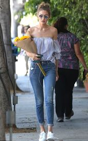 blouse,off the shoulder,summer top,jeans,skinny jeans,gigi hadid,streetstyle,sunglasses,model off-duty,sneakers