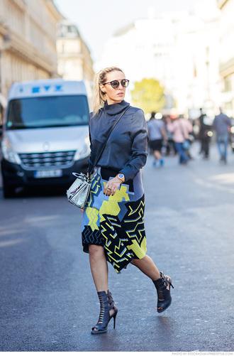 carolines mode blogger skirt geometric peep toe boots