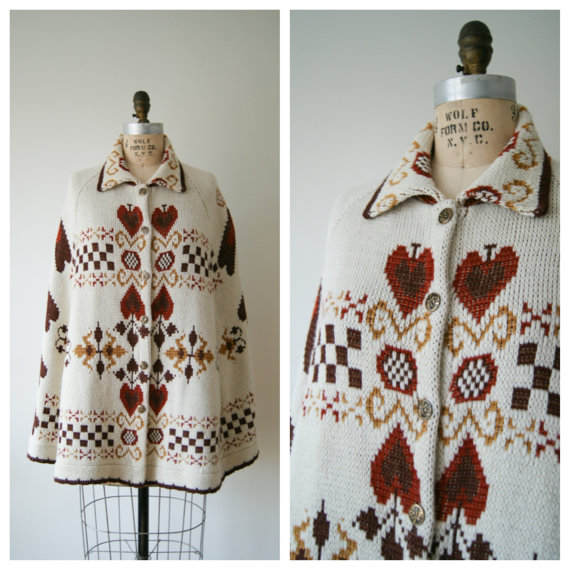 Vintage Poncho Cape. 70s Sweater Cape. by NewOldFashionVintage