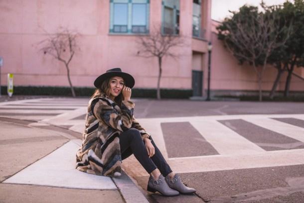 cuppajyo blogger coat t-shirt jeans shoes hat bag fur coat ankle boots faux fur coat winter outfits