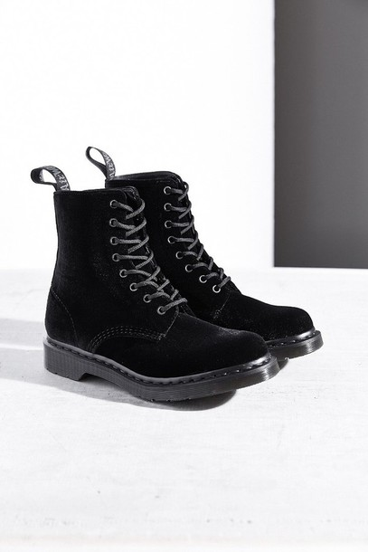 shoes velvet DrMartens boots black black boots grunge alternative goth punk rock rock punk combat boots