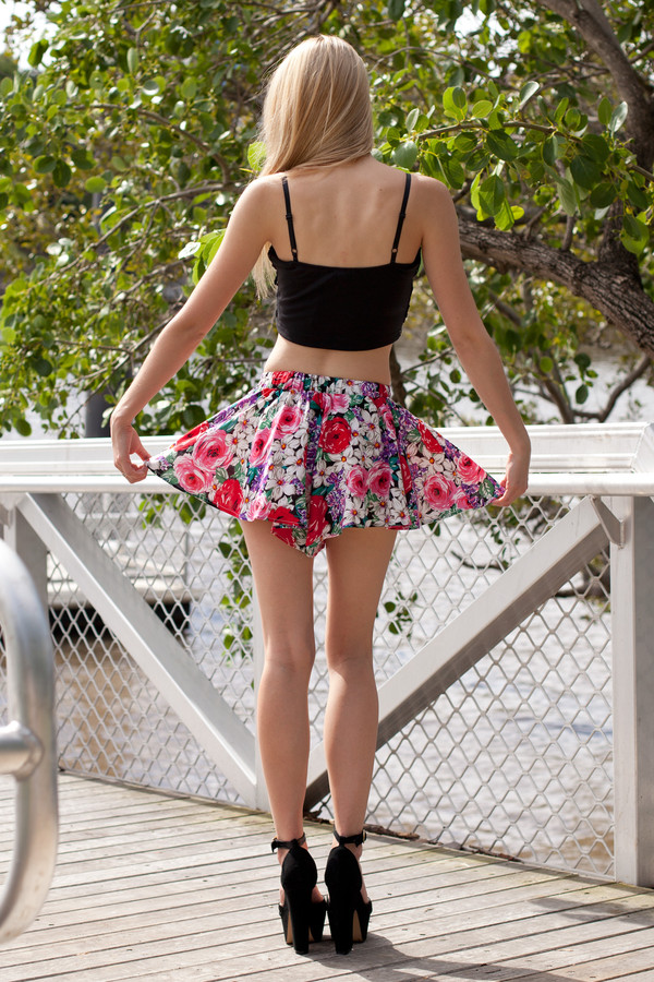 shorts floral black top roses cute flare pink red shirt