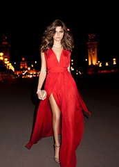 dress,red dress,long red dress,long prom dress,prom dress,long dress,Isabelifontana,mango,maxi dress,slit,deep vneck,red prom dress,formal dress,Isabeli Fontana,chiffon dress,vneck dress,style,high slit dress,no sleeve dress,ball gown prom dresses,fashion,sexy party dresses,women dress,red,trendy,maxi,summer,dressofgirl,prom,sexy