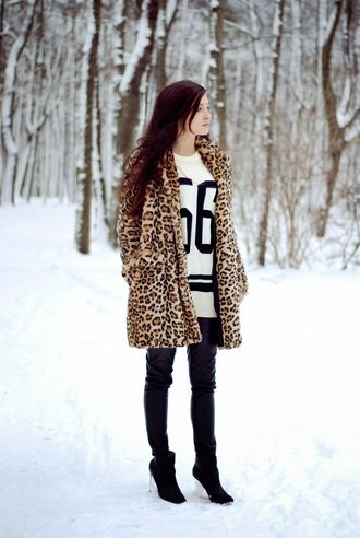 i am sony blogger coat sweater leopard print jersey leather leggings winter outfits