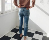 jeans,preferably this colour,straight jeans,frayed denim,cropped jeans,shirt,levi's,beige sweater