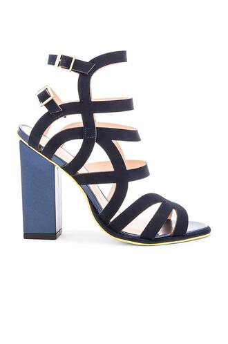 heel navy