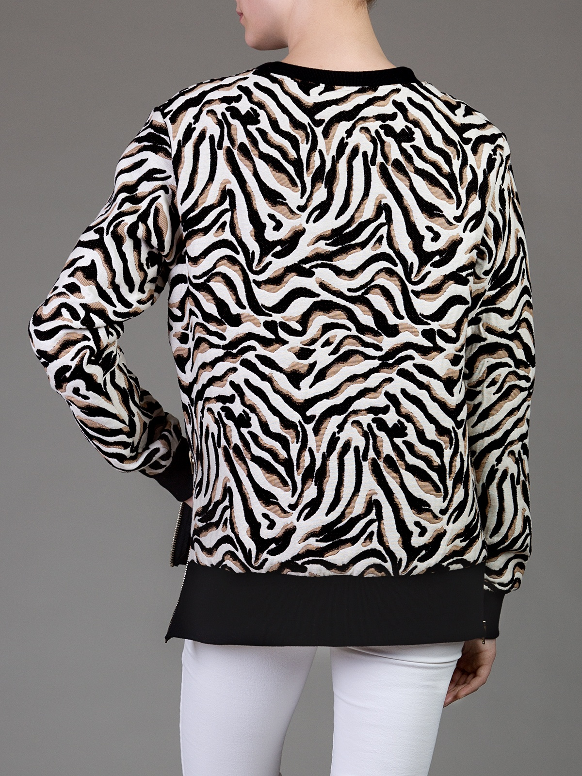 Jacquard embroidered tiger oversized sweater