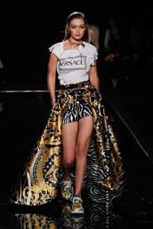 top,gigi hadid,model,runway,celebrity,fashion,versace,high low skirt,skirt