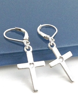 jewels these earring in silver or black k
