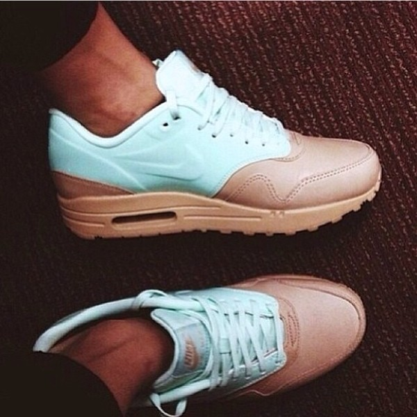 more photos 2565b 43c22 Nike Air Max 1 VT QS Women s Shoe