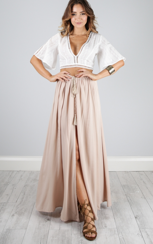Product Features Best Maxi Skirt for summer or winter, wearing as a dress or beach skirt.