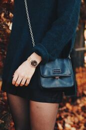 bag,tumblr,black bag,crossbody bag,chain bag,sweater,black sweater,oversized sweater,oversized,skirt,mini skirt,black skirt,gold watch,watch
