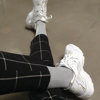 shoes pale soft grunge grunge indie socks cool air jeans
