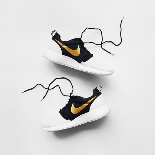 e98ee77c129d nike nike shoes nike running shoes nike roshe run nike sneakers black  sneakers gold white sneakers