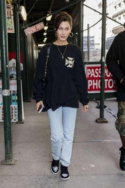 sweater sweatshirt jeans denim model off-duty streetstyle casual bella hadid