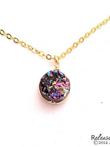 Flashing rainbow druzy gemstone necklace