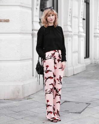 pants top tumblr floral floral pants pink pants black top bag black bag