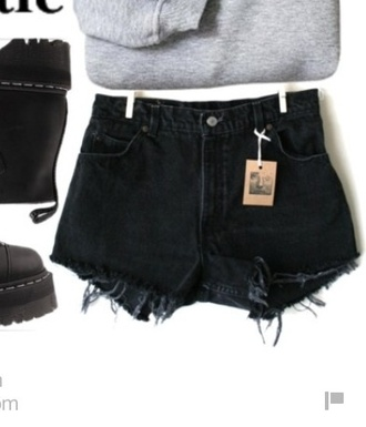 shorts denim shorts high waisted shorts high waisted jeans black jeans black high waisted pants grunge grunge black hipster shorts hipster streetsyle streetwear girl 5sos 1d band merch rock punk