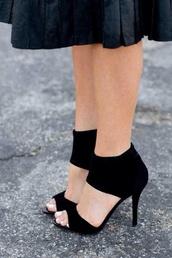 shoes,black,black high heels,heels,black shoes,black heels,high heels,prom,open toes,suede shoes,ankle boots,sandals,black sandals,summer,ankle strap heels,simple et chic,pumps,red bottoms,lady,street,summer shoes