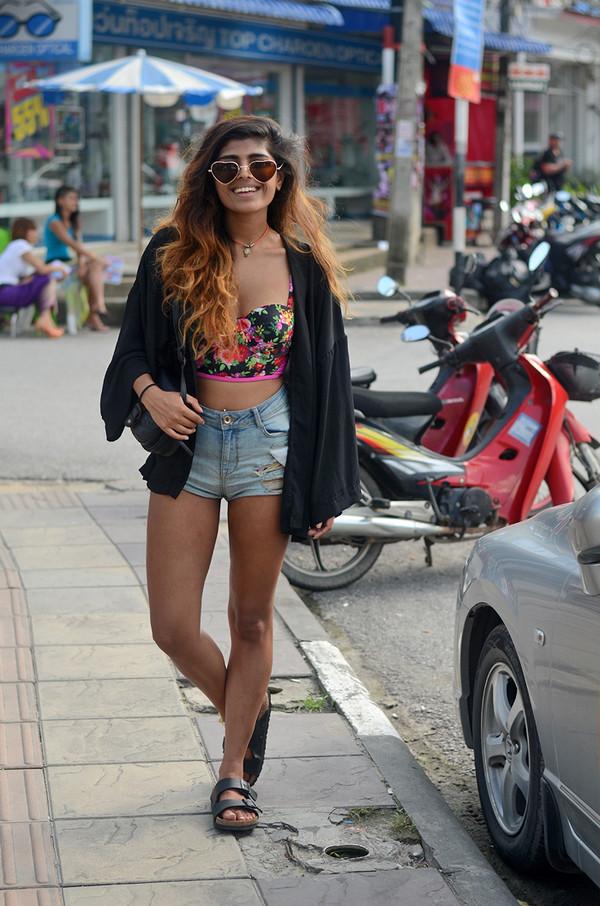 she wears fashion top shorts sunglasses jewels