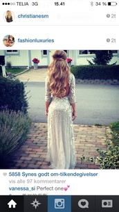 dress,glitter dress,embellished dress,backless prom dress,long prom dress,open back,silver,jewels,sequins,prom dress,sequin dress,silver sequin dress,long dress,long sequin dress,maxi dress,silver glitter,glitter,instagram,beautiful,prom,prom shoes,prom gown,silver dress,sparkly dress,classy dress,high heels,platform shoes,black heels,style,white dress,silver sparkly long sleeved,angrel like,white sequin 3/4 sleeve,long sleeve dress,curled hair,open back prom dress,sequin prom dress,bejeweled dress,chiffon dress,white,silvr flow dress,white prom dress with long sleevess,cute,long sleeves,3/4 sleeved,long,homecoming dress,fancy dress,elegant dress,casual dress,tumblr dress,fashion,nyc fashion,cali fashion,gorgeousdresss,top,jordans,gold chain,ripped jeans