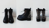 shoes,boots,spikes,combat boots,black,studs,studded,tumblr,pinterest,spykes,black boots,grunge shoes,grunge,creppers