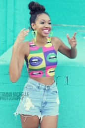 shirt,top,crop tops,earrings,t-shirt,lips,colorful,shorts,High waisted shorts,denim,dope,pop art,black girls killin it,lip print,pop