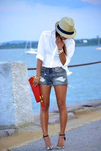 shorts distressed shorts summer hat white shirt red purse black and gold sandals blogger
