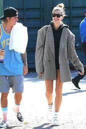 sunglasses,hailey baldwin,model off-duty,oversized,oversized jacket,casual