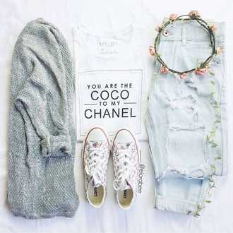 cardigan jacket top grey converse white style t-shirt boyfriend jeans fall outfits flowers white t-shirt sneakers
