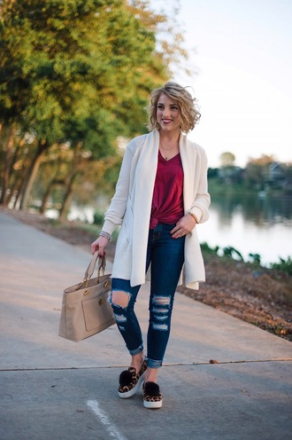 something delightful blogger cardigan t-shirt bag shoes jewels slip on shoes ripped jeans handbag fall outfits