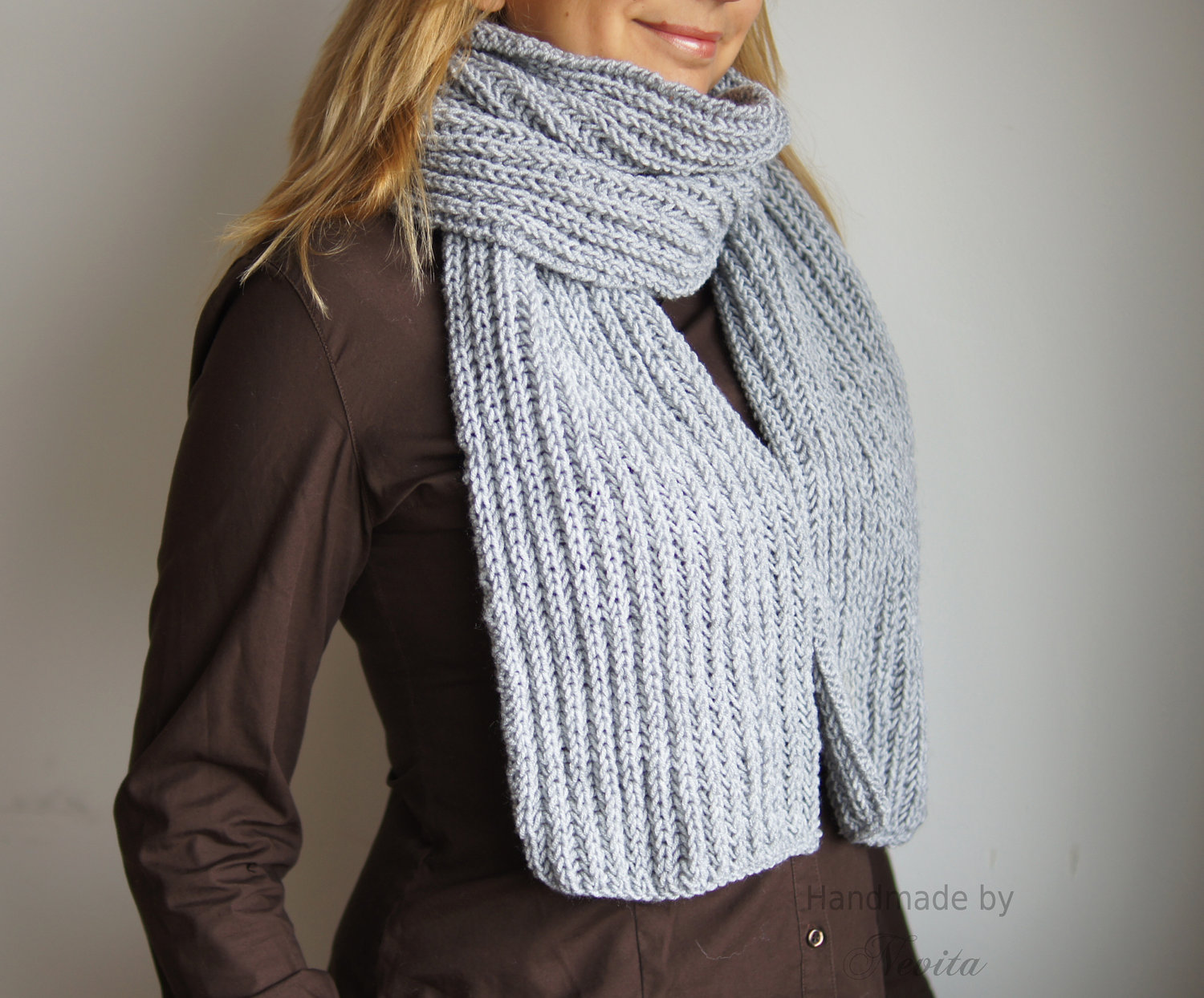 Gray knit scarf, winter knit grey scarf. handmadered scarf. warm wool scarf.