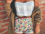 shorts,flowered shorts,strapless top,spring,summer,foral,High waisted shorts,waist belt,crop tops,tank top,floral,jacket,blouse,white,high waisted,belt,knitwear,baggy,comfy,jumper,tight,holes,corset,shirt,flowers,color/pattern,cardigan,top
