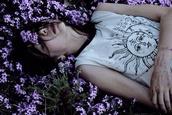 top,t-shirt,white,grunge,tumblr outfit,tumblr,girly,hair bow,flower crown,moon,black,sun moon shirt