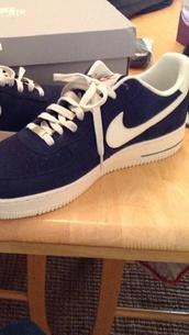 shoes,nike,black,trainers,nike air force