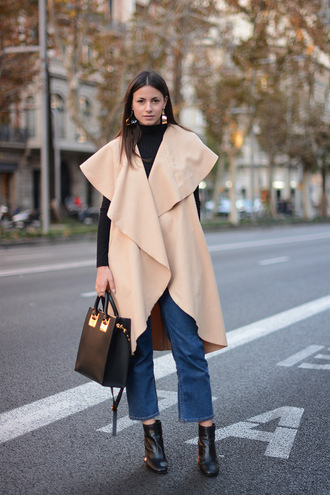 fashion vibe blogger duster coat cropped jeans leather tote bag