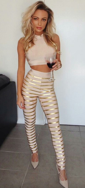 Sexy outfits with leggings