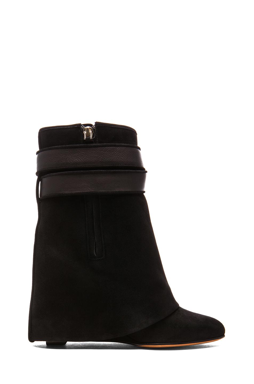 Shark lock suede boots in black