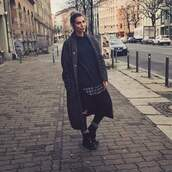coat,clothes,blogger,all black everything,fashion,overcoat