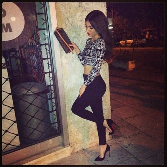 jeans black jeans black and white skinny jeans high heels shoes pattern black cute outfit black and white shirt crop tops red bottom heels christian louboutin sale christian louboutin louis vuitton outfit of the day outfit idea pointed toe heels