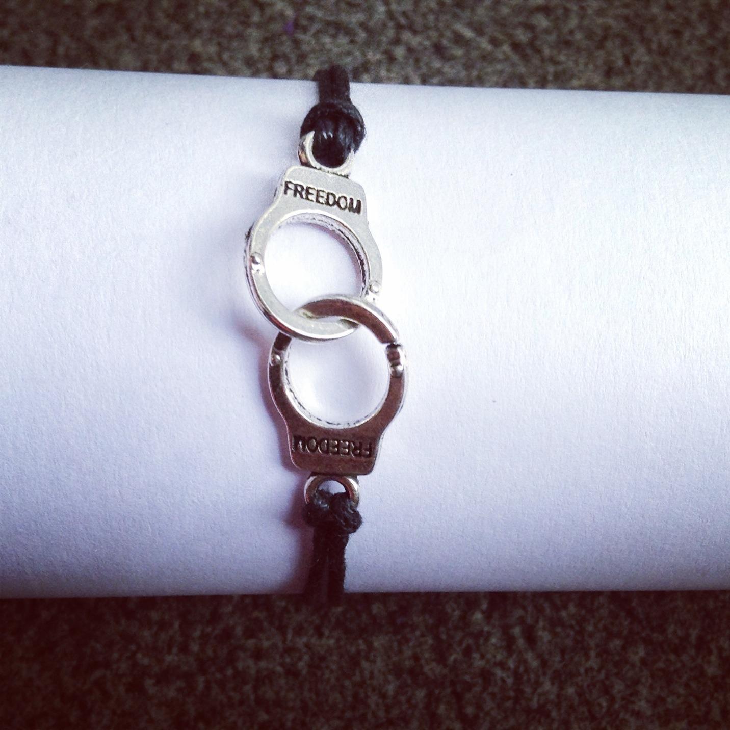 """Bracelet """"Menottes"""" style swag couleur noir  : Bracelet par em-s-creation"""