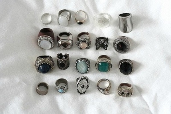 jewels ring indie hipster good old ring ring my bell rings and tings rings cute summer vintage ring vintage rings vintage rings contact me for sale! rings flower gold cute rings & tings opal turquoise jewelry boho alternative stone jewels silver big rings hand jewelry