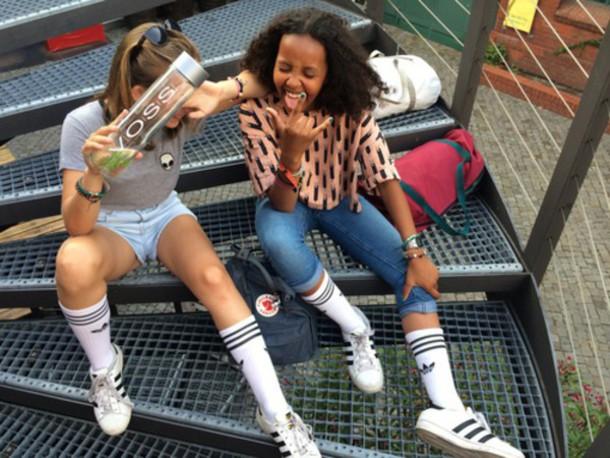 shoes adidas adidas superstars white black girl old school happy rock