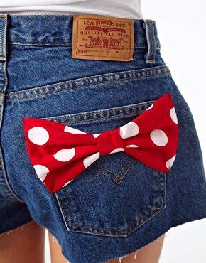 ASOS | ASOS RECLAIMED VINTAGE - Levi's 505 - Pantaloncini con fiocchi sulle tasche su ASOS