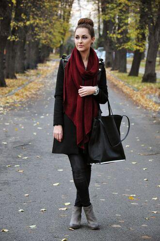 scarf black coat black bag burgundy scarf leather pants grey boots blogger